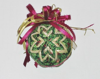 Quilted Ornament Wine, Green and Gold