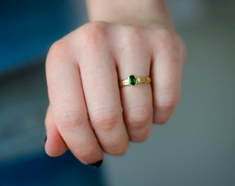 Fair Trade 14kt Gold Ring - VIBRANT Green Diopside - French Fleur de Lis
