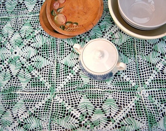 """Antique lace table cloth / COTTON green ivory tatted crochet / 50"""" x 38"""" GORGEOUS"""