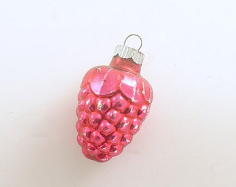 Vintage Glass Christmas Ornament Shiny Brite Berry