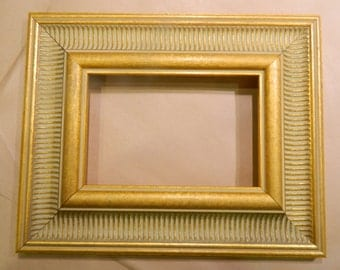 "Ready to Ship - Beautiful 5 x 7"" Wide Gold Picture Frame"