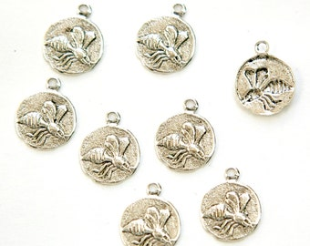 Antiqued Silver Plated Flying Bee Charm Drops with Loop (8) chr051F