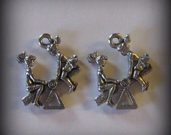 4 Silver Pewter Teeter Totter Charms (qb1)