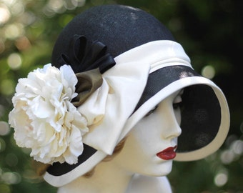 Hat 20s Style Summer Cloche Wide Brim Straw Black and White Large Flower Church Gala Event, Garden Party, Wedding
