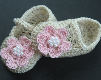 Crochet Baby Girl Booties Infant Crib Shoes with Pearls Christening Baby Booties Crochet Baptism Mary Janes Knit Reborn Doll Shoes