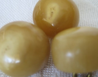 Set of 3 ANTIQUE Chunky Natural Tan Horn BUTTONS