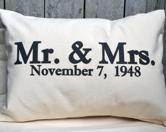 Newlywed gift, anniversary gift, personalized pillow , cotton anniversary, silver anniversary, mr. And Mrs.