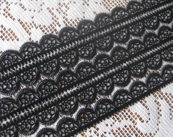 Dresden Trim Made In Germany 5 Rows Of Fancy Scallop Black Dresden Paper Lace