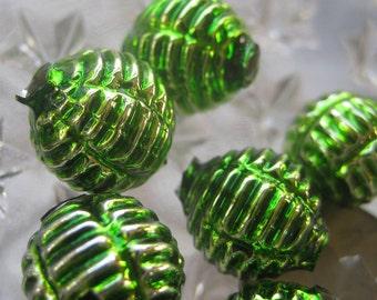 7 Glass Garland Beads Green Christmas Garland Beads Czech Republic 075GR