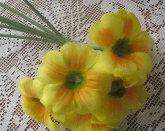 Vintage East Germany 6 Fabric Millinery Primroses Flowers  VF 070 Y