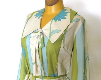 1960s Dress / Shirtwaist Dress in Green and Blue Floral Stripe - Spring Dress with Large Collar and Sash Belt