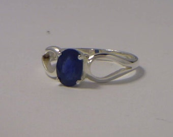 Natural Blue Sapphire Solitaire Handmade Sterling Silver Ladies Ring size 6.75