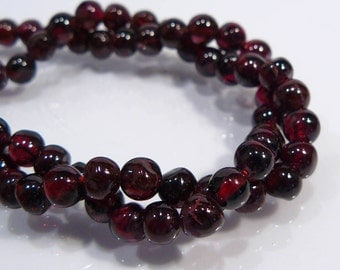 10 Beads....Red Garnet Gemstone Round Beads....5mm...BB
