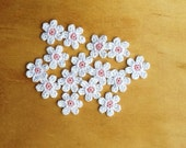 Crochet Flowers Appliques 117.09 --- 12 pcs --- Tiny Size flowers in White Petals with Centre in Pink