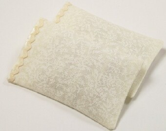 Damask Bed Pillows Cases Trimmed 1 :12 Dollhouse Miniatures Scale Artisan