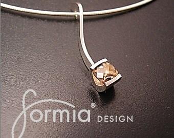 Simply elegant pendant with sparkley smoky quartz