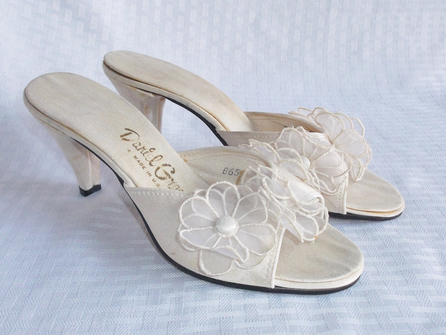 1950 s vintage white with flowers slipper by myvintagehatshop 15068 | il fullxfull 635056185 5rwz