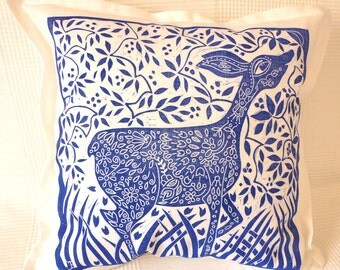 cushion cover/pillow cover/pillow case/sofa cushion/scatter cushion/throw cushion/decorative pillow/deer/blue/white/hand printed linocut