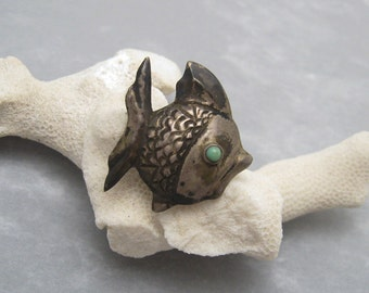 Vintage Mexican Sterling Fish Brooch Signed JE X87