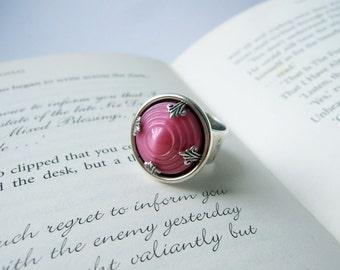 Deco Diva - Adjustable Vintage Glass Ring