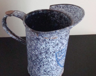 Very nice unique vintage cobalt blue and white enamelware measure- Sheet Metal Products 1 Pint