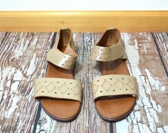 20 DOLLAR SUPER SALE!  Sandals Women - Size 9 Sandals - Light Brown Sandals