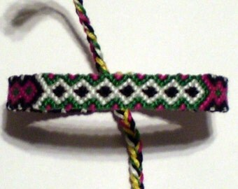 Diamond Macrame Friendship Bracelet Black White Green Magenta