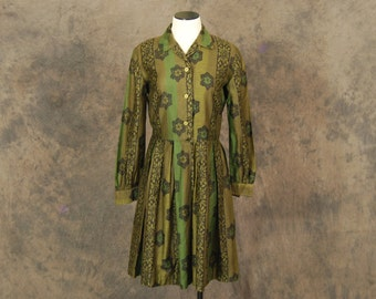 CLEARANCE SALE vintage 50s Dress - Olive Green Floral Print 1950s Shirt Dress Sz M