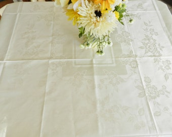NOS Damask Cottage Tablecloth, Never Used Tablecloth,
