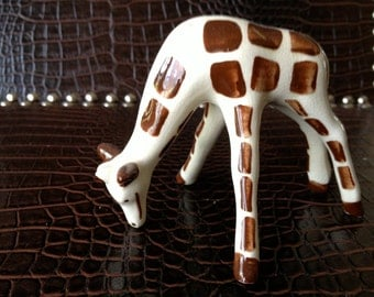 Collectible Vintage Grazing Giraffe Cute, FREE SHIPPING