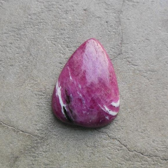 Ruby Zoisite Cabochon Triangular Cabochon Natural Gemstone