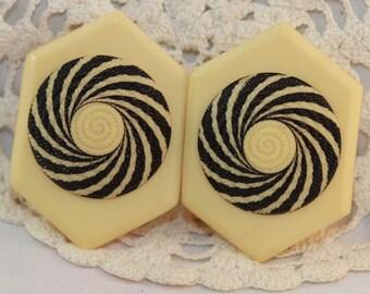 Vintage Art Deco Cream and Black Vertigo Swirl Hexagon Belt Buckles - Bakelite, Composite, Clips