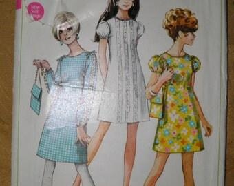 Simplicity 7557 Vintage 1968 Retro A-Line Mini Dress Pattern -  Junior Teens Size 11/12 - Bust 32 - Precut