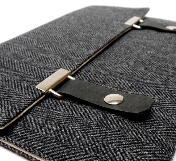 iPad / iPad Air case - black and gray herringbone