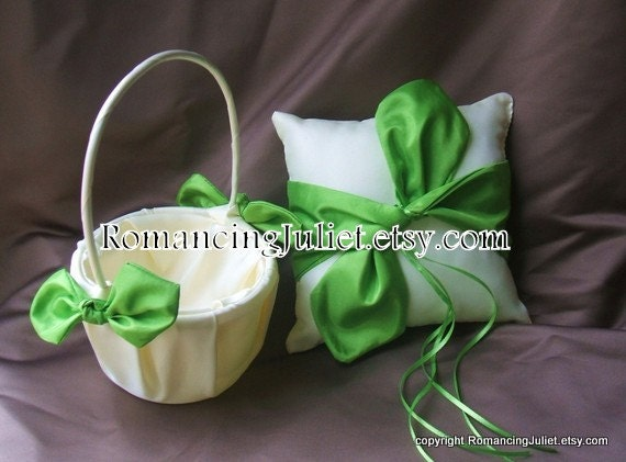 Knottie Style Flower Girl Basket and Ring Bearer Pillow Set....You Choose the Colors..shown in ivory/apple green