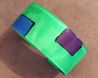 1970s Groovy Plastic WIDE GREEN Design Bracelet with Blue and Purple Boxes