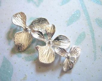 Shop Sale..6 pcs, ORCHID Connectors Links Pendants, Cascading Orchid Flower Trios, 34x18 mm, Silver .brides bridal....ts hp