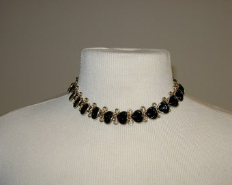 Vintage Black and Gold Tone Necklace