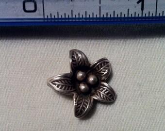 22.5mm Thai Hill Tribe Silver 5 Petal Flower Pendant