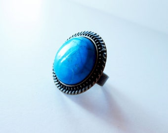 Turquoise ring.  Round ring.  Blue stone ring.  Blue green ring.  Antiqued gold ring.