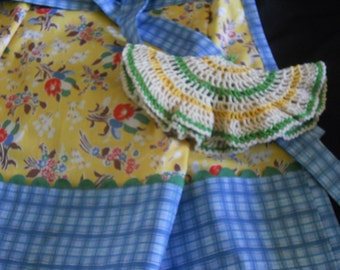 Vintage fabric apron/potholder set, blue,yellow and red apron, apron set