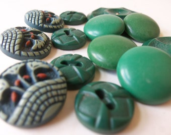 13 vintage plastic green buttons