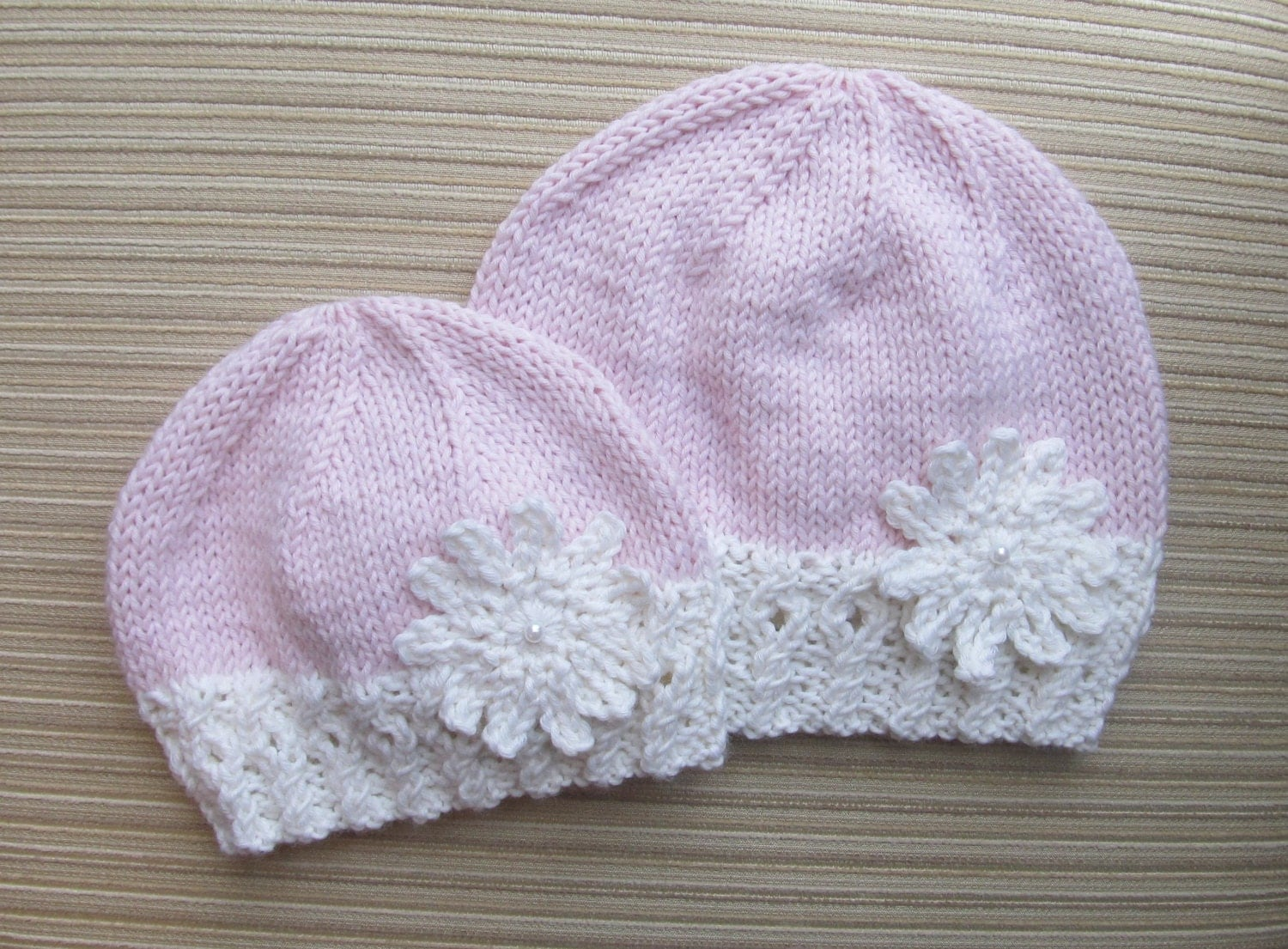 Knitting Pattern 134Hat with a Large Snowflake in Sizes 3-6