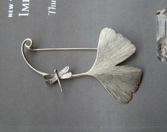 Ginko brooch in sterling silver