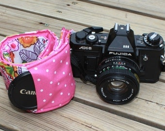 Monograming included Wide Camera Strap for DSL camera Vera Bradley Clementine With Pink Polk a Dot reverse and lens cap pocket
