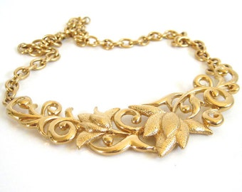 Vintage 90's Avon // Floral Neckplate Necklace