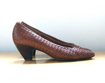 Woven Leather Heels / 7 / Vintage Brazil // FREE Shipping!