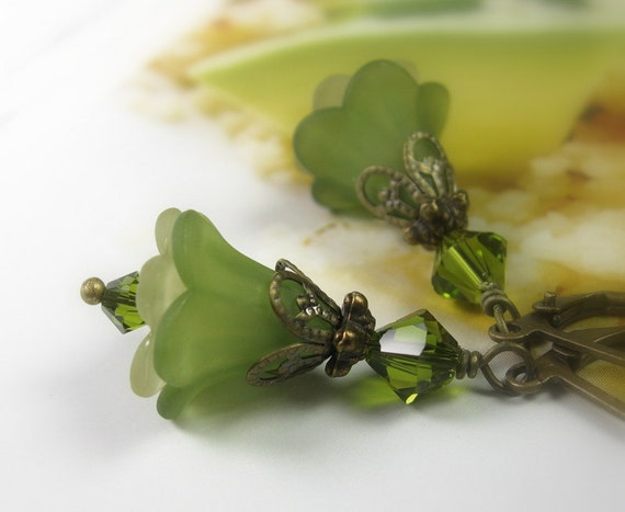 Olive Green Dangle Earrings, Swarovski Crystal, Floral Jewelry, Flower Earrings, Vintage Style, Woodland, Garden, Spring Green, Light Green