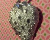 Silver strawberry brooch pin jewelry 80s eighties boho art