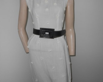Sleeveless sheer white 60's wiggle dress - size XS-S